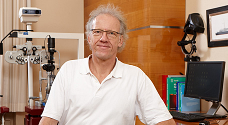 Leitender QAN-Augenarzt Dr. med. Peter Hermjakob
